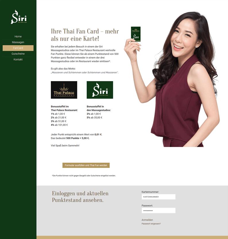 Siri Massage-Studio präsentiert die Kundenkarte vorbildlich