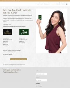 Restaurant Thai Palace präsentiert die Kundenkarte vorbildlich